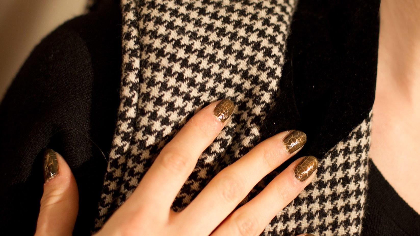 Дизайн ногтей коричневый цвет