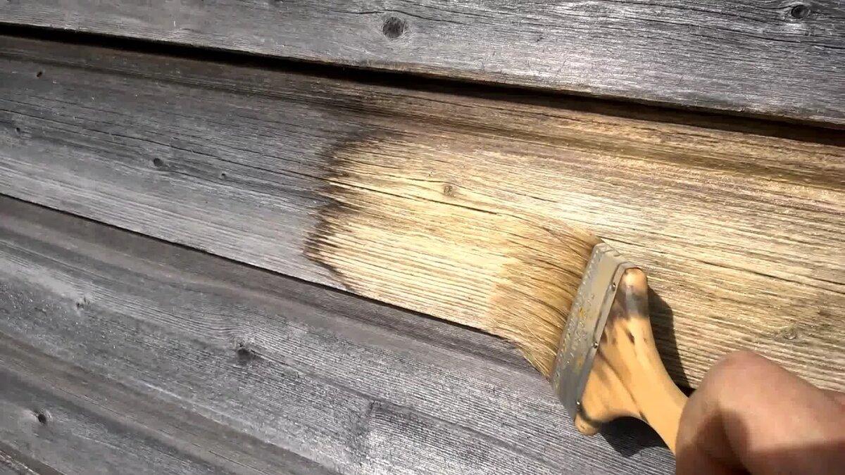 Убираем грибок с дерева с помощью отбеливателя