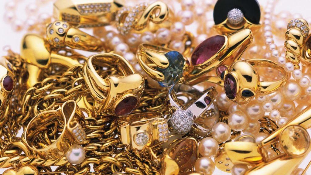 Как очистить золото от чужой энергетики: способы, доступные в домашних условиях