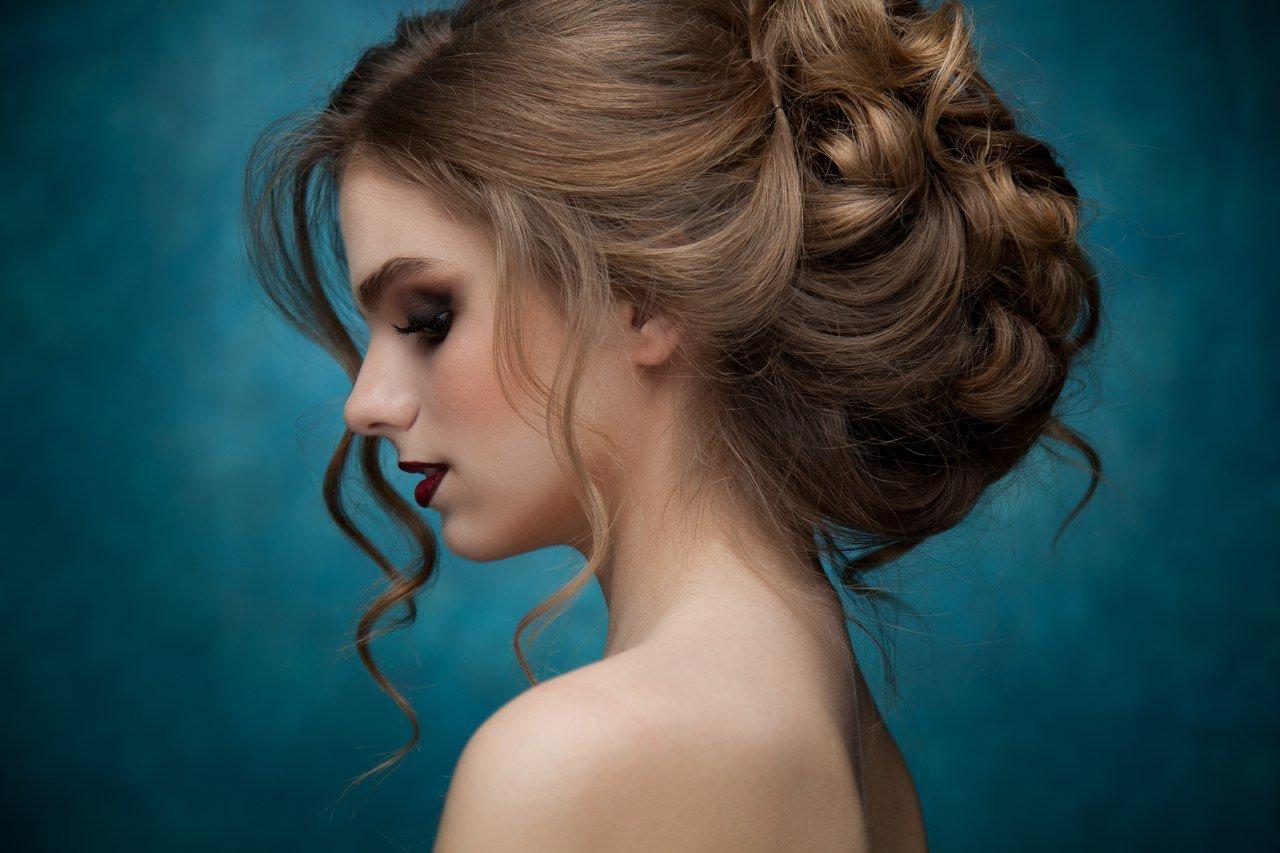 Прически на короткие волосы бигуди