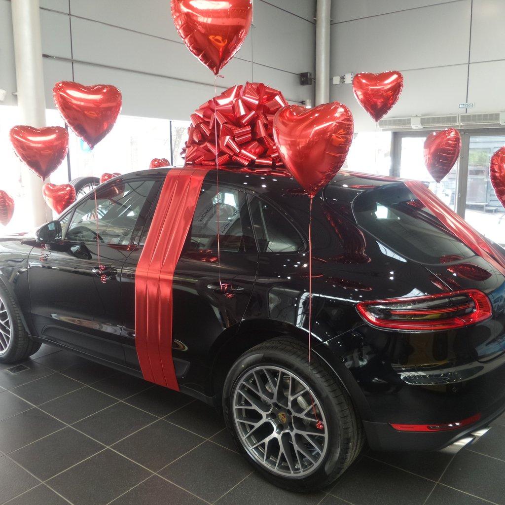 Подарок автомобиль на день рождения картинки