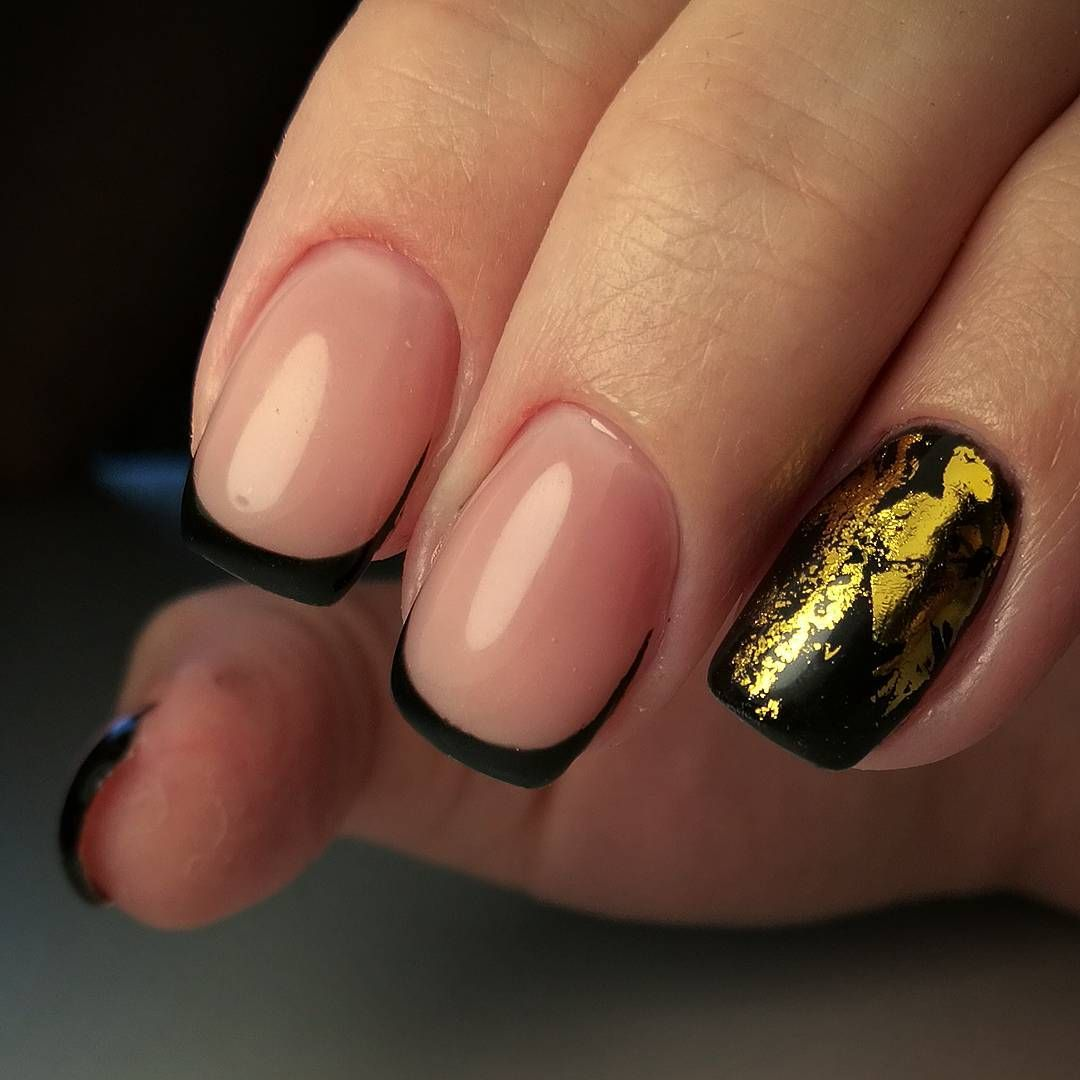 Золотой френч ? эффектный и модный дизайн ногтей в фотографиях