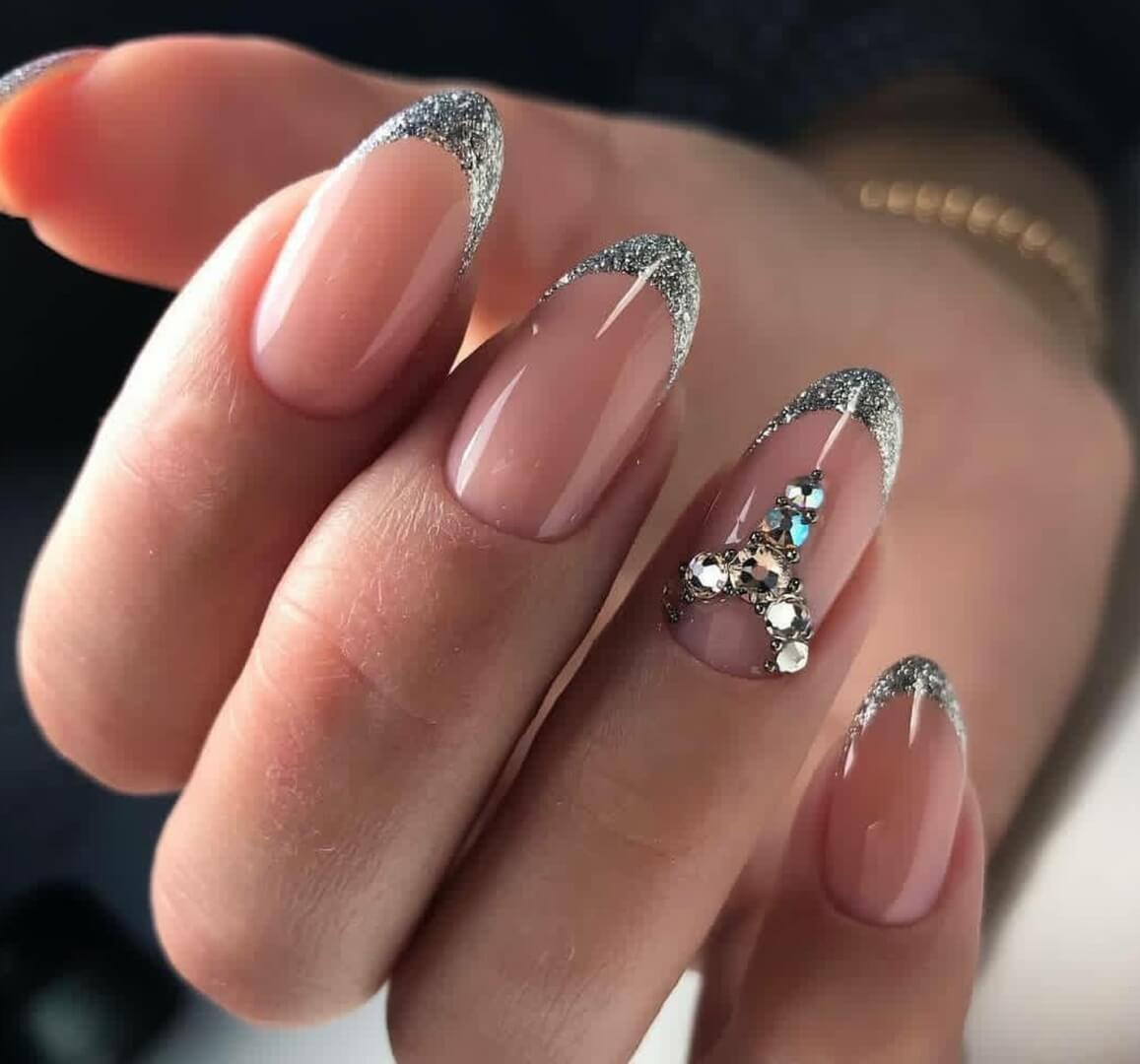 Дизайн ногтей фото френч блестками