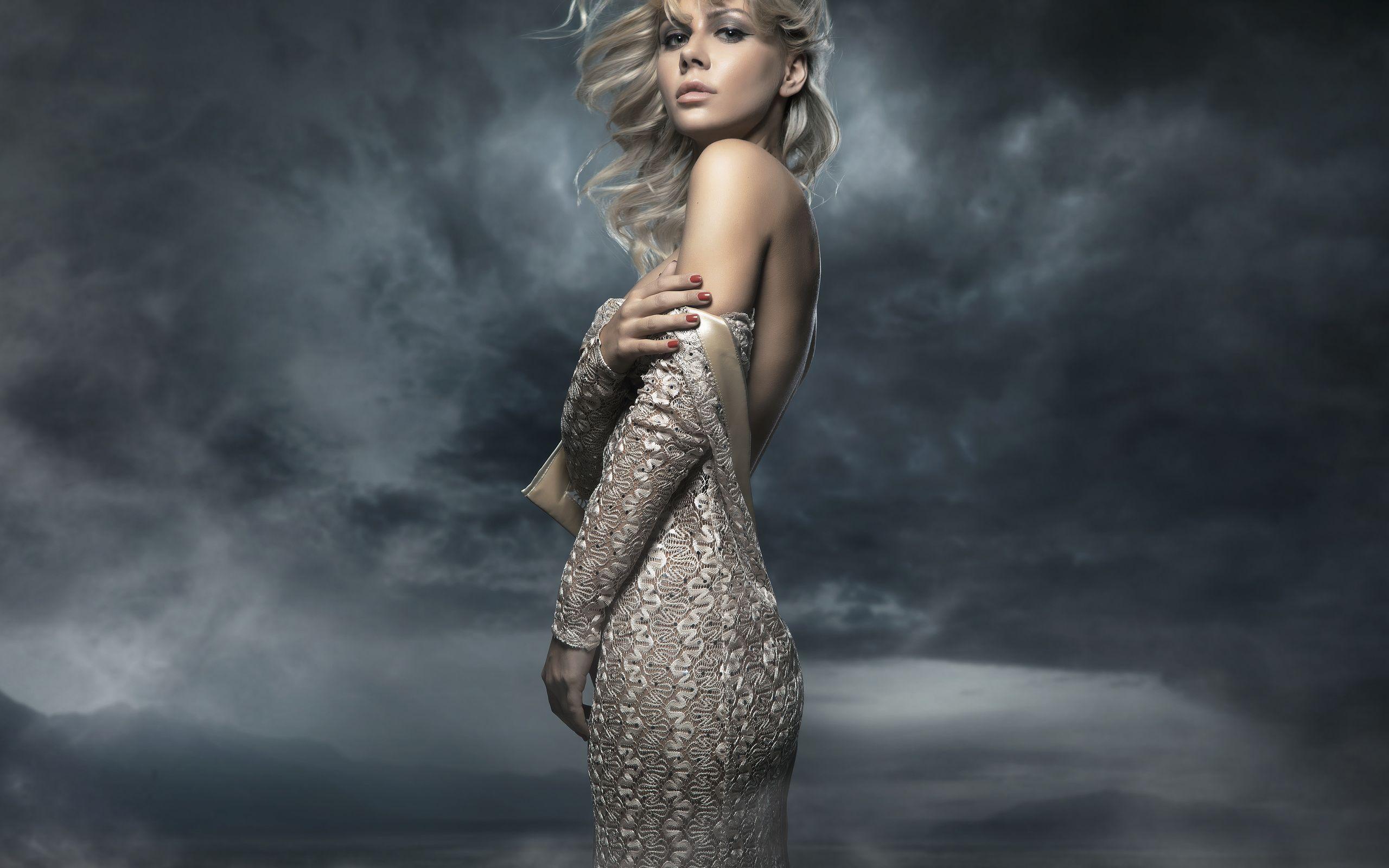 nastol.com_.ua-85979-1 ТОП 10 самых красивых платьев в мире: рейтинг на фото