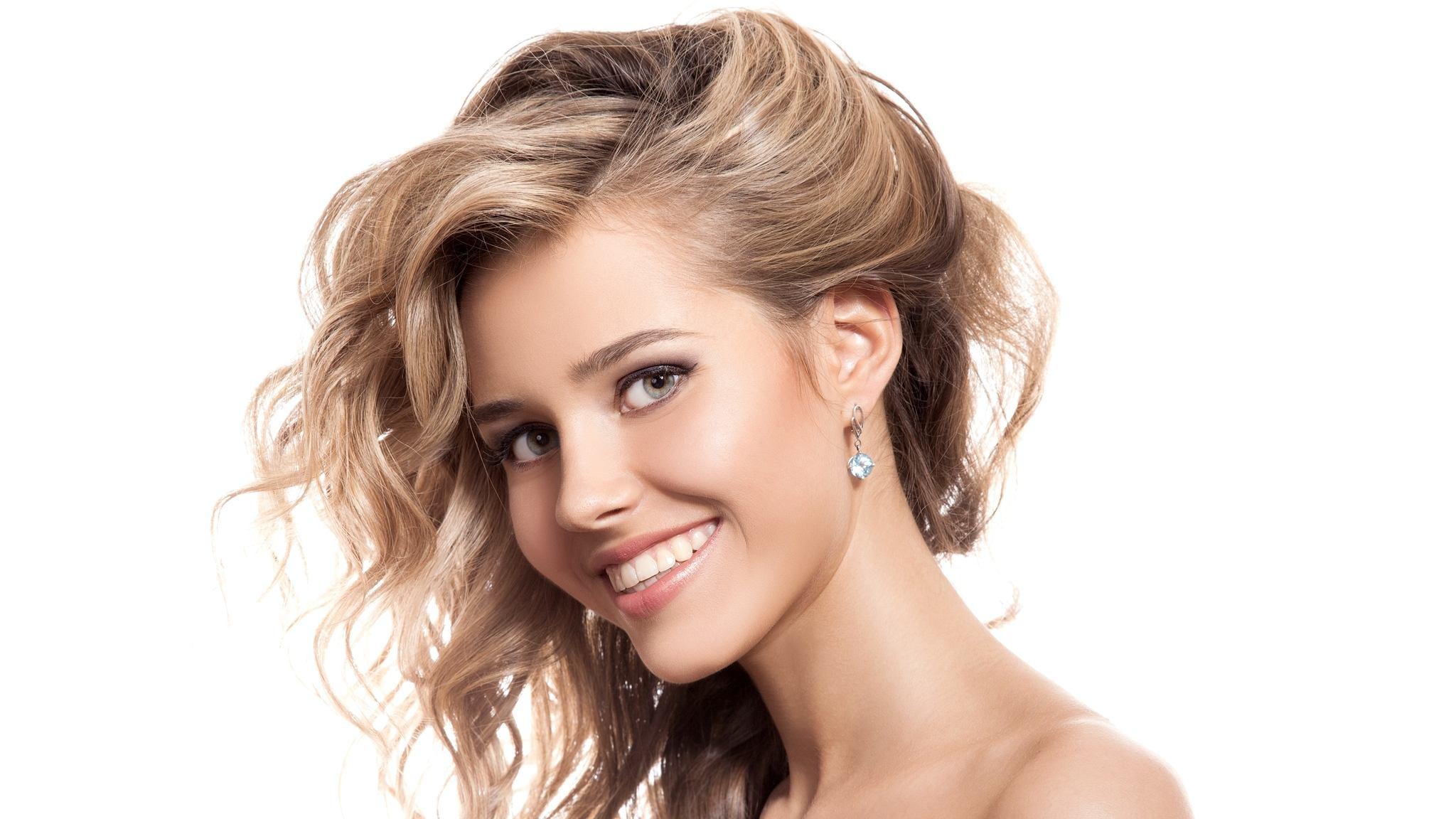 Локоны на длинные волосы (52 фото): создание кудрей в домашних условиях, красивые способы укладки кудрявых волос без челки и с ней