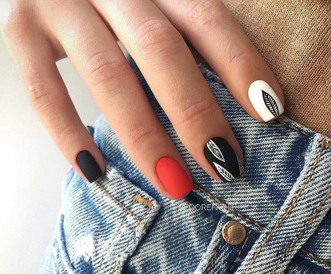 Зимний маникюр 2020 на короткие ногти самый модный дизайн