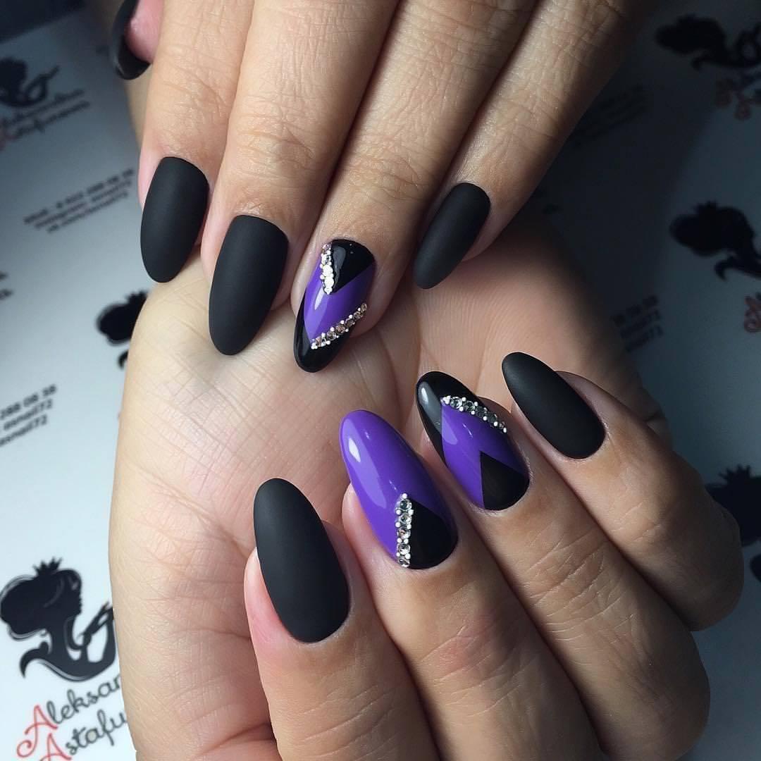 Ногти сиренево черные фото