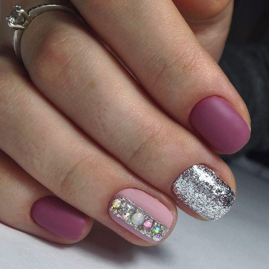 Маникюр розовый с серебром фото дизайн