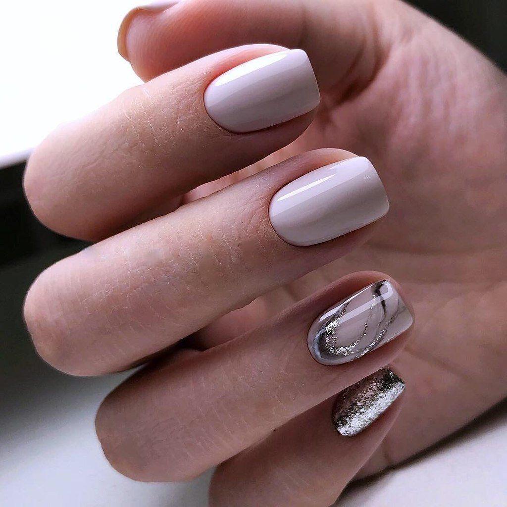 Стильный маникюр с блестками на короткие ногти: 100 фото идей и сочетаний