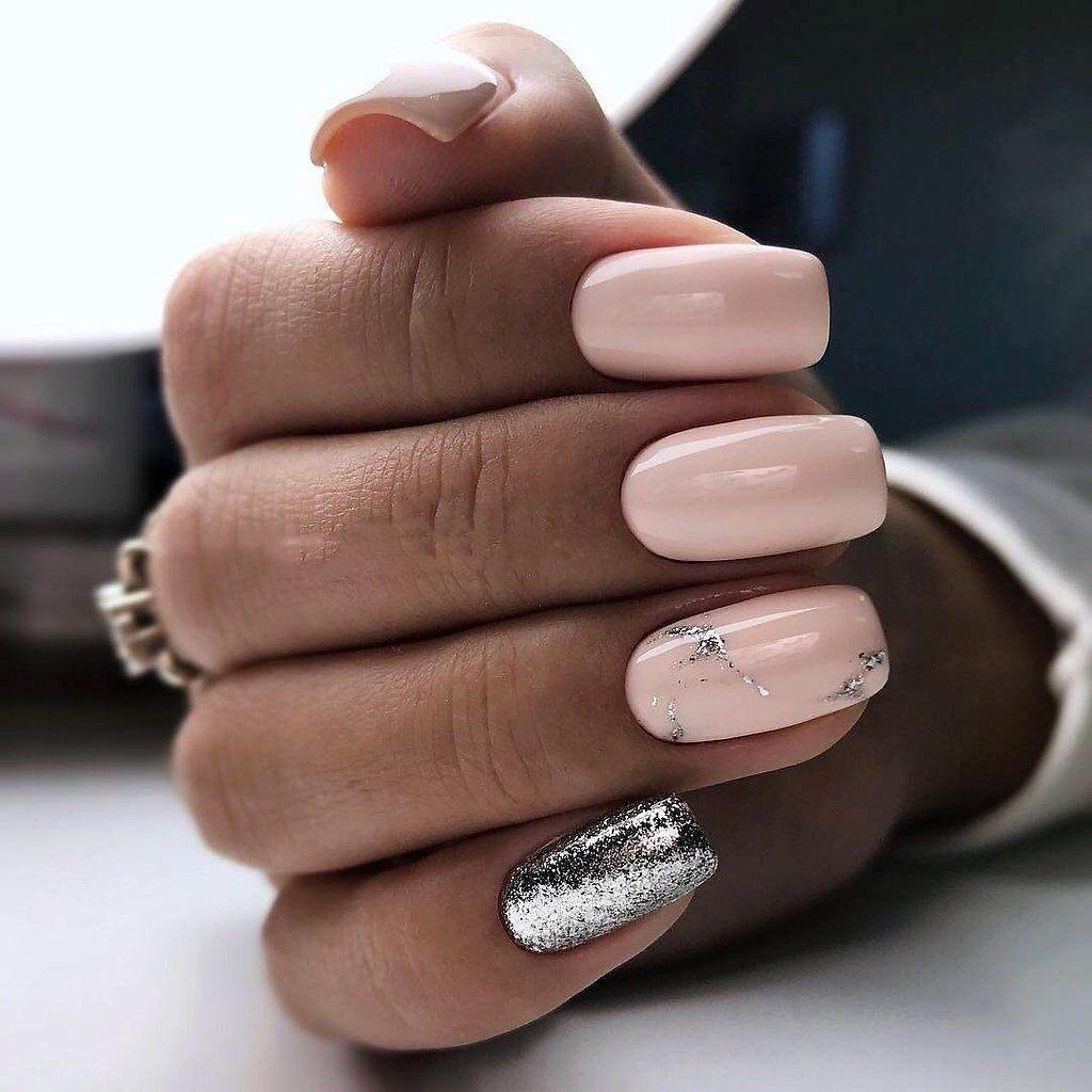 Светлый маникюр с блестками: ТОП-5 идей дизайна ногтей