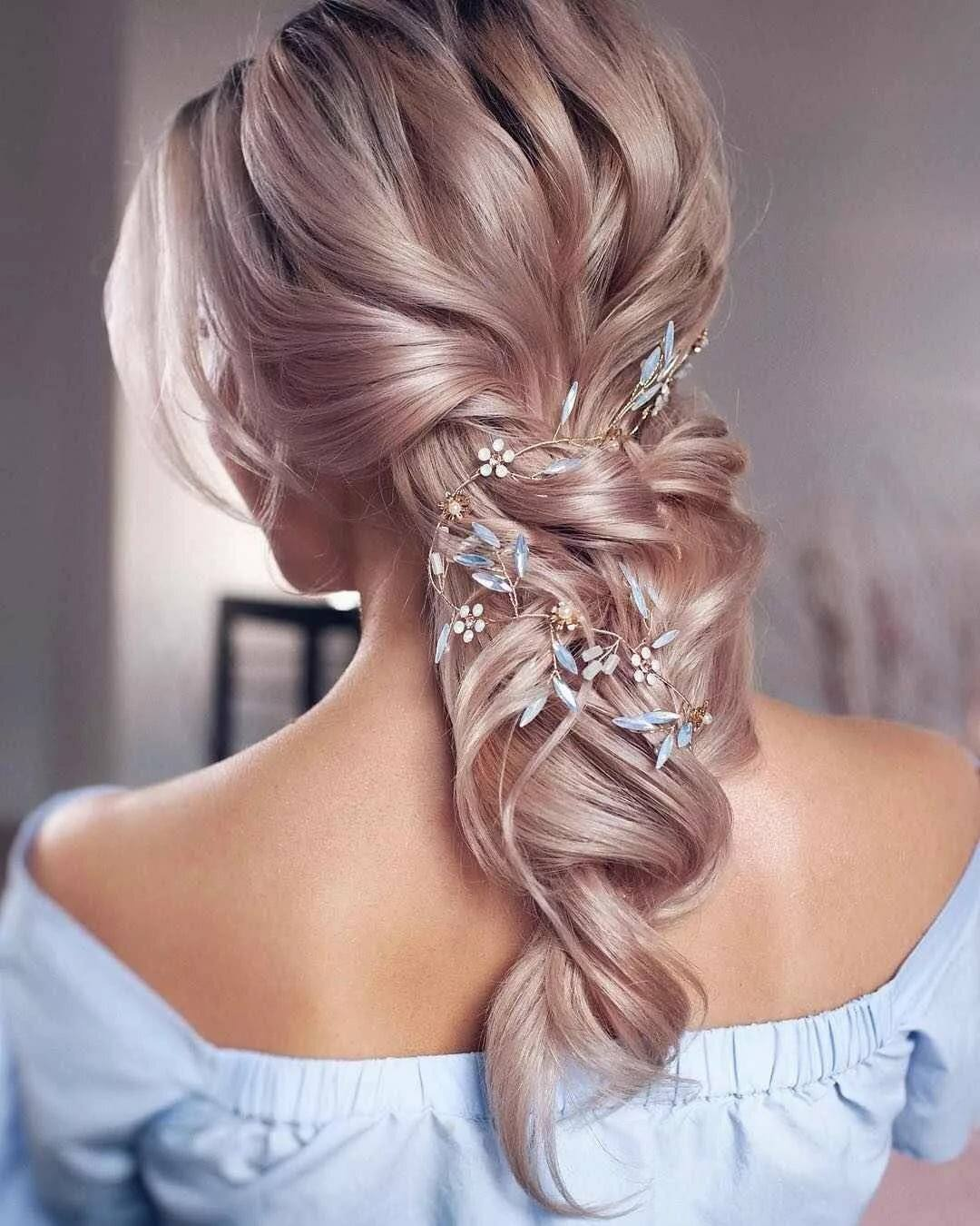 Прически на торжество: модные идеи на средние волосы