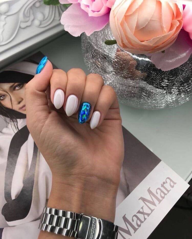 Утончённый маникюр на миндальные ногти: самые модные идеи дизайна для лета 2020