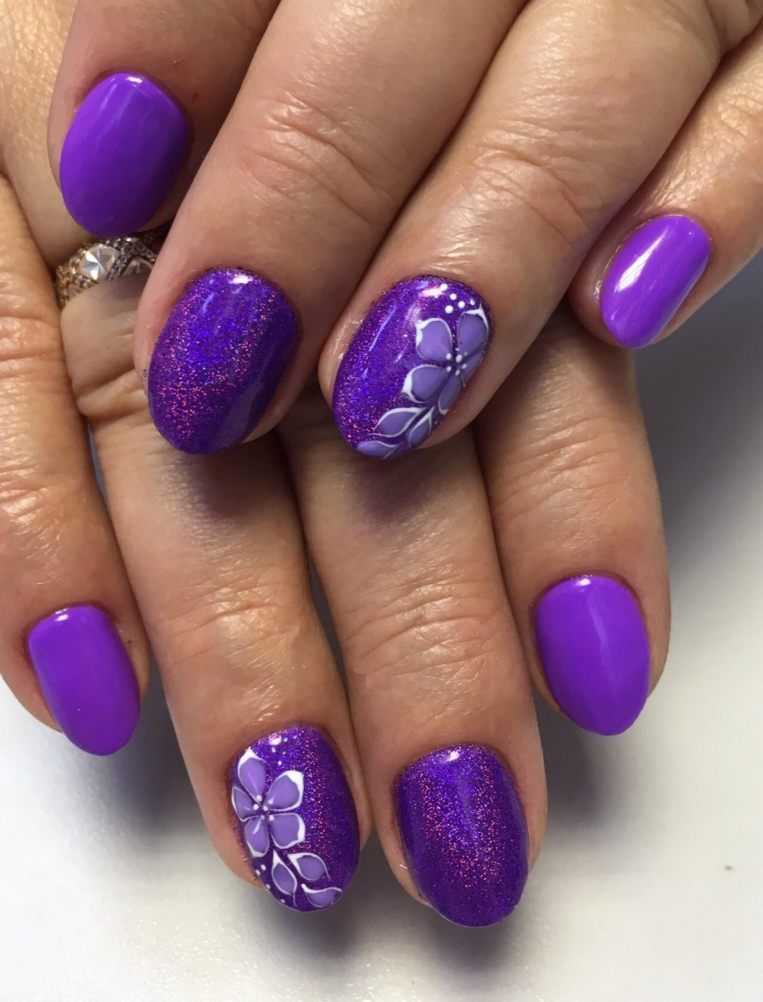 Сиреневый маникюр: стильный и модный дизайн ногтей, актуальн