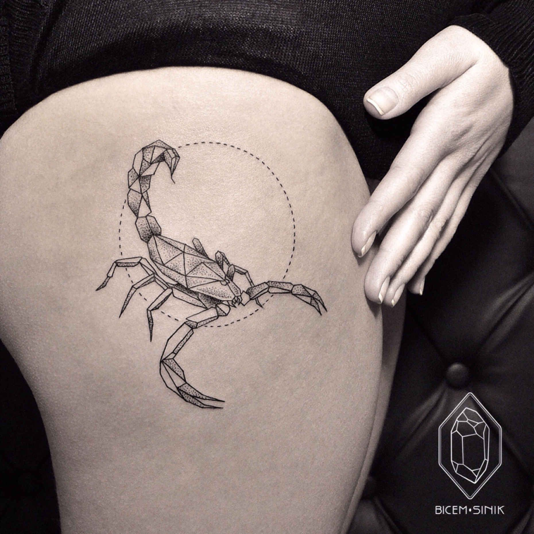 Тату Скорпион: 70 фото-идей стильных эскизов