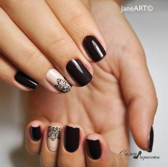 Дизайн ногтей на короткие ногти в темных тонах