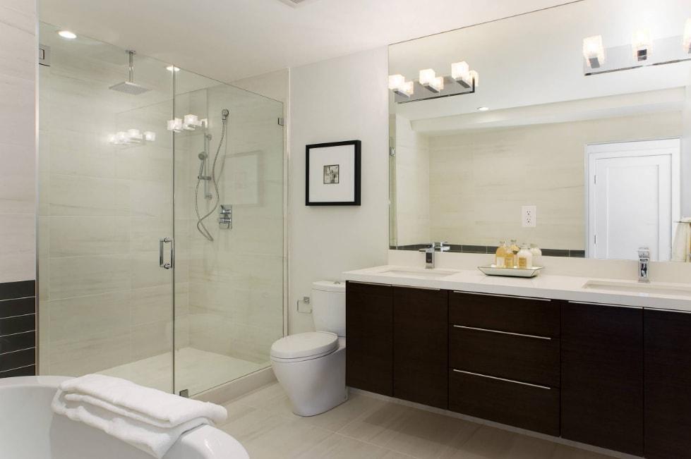 Modern bathroom vanity light