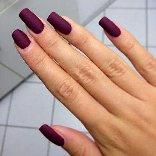 Наращивание ногтей одного цвета