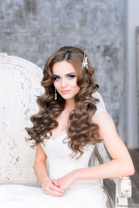 Причесок для девушек на свадьбу
