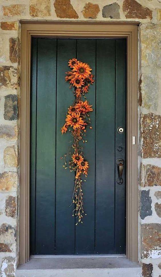 Фото декора входных дверей
