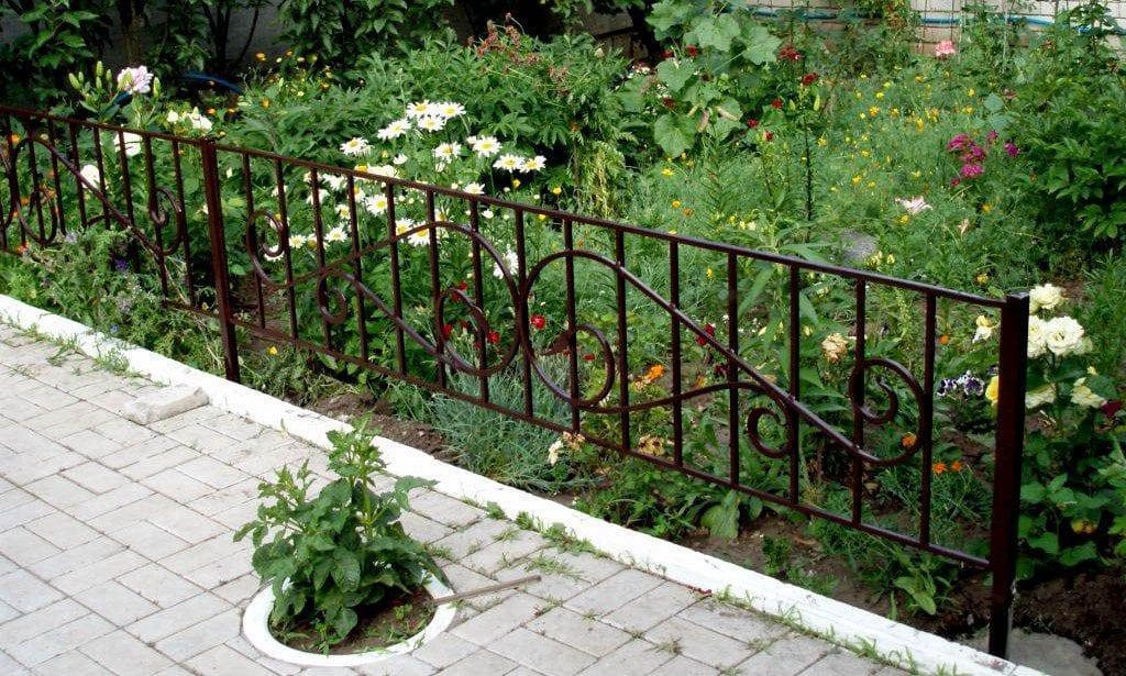 Изгородь для цветника своими руками фото 100
