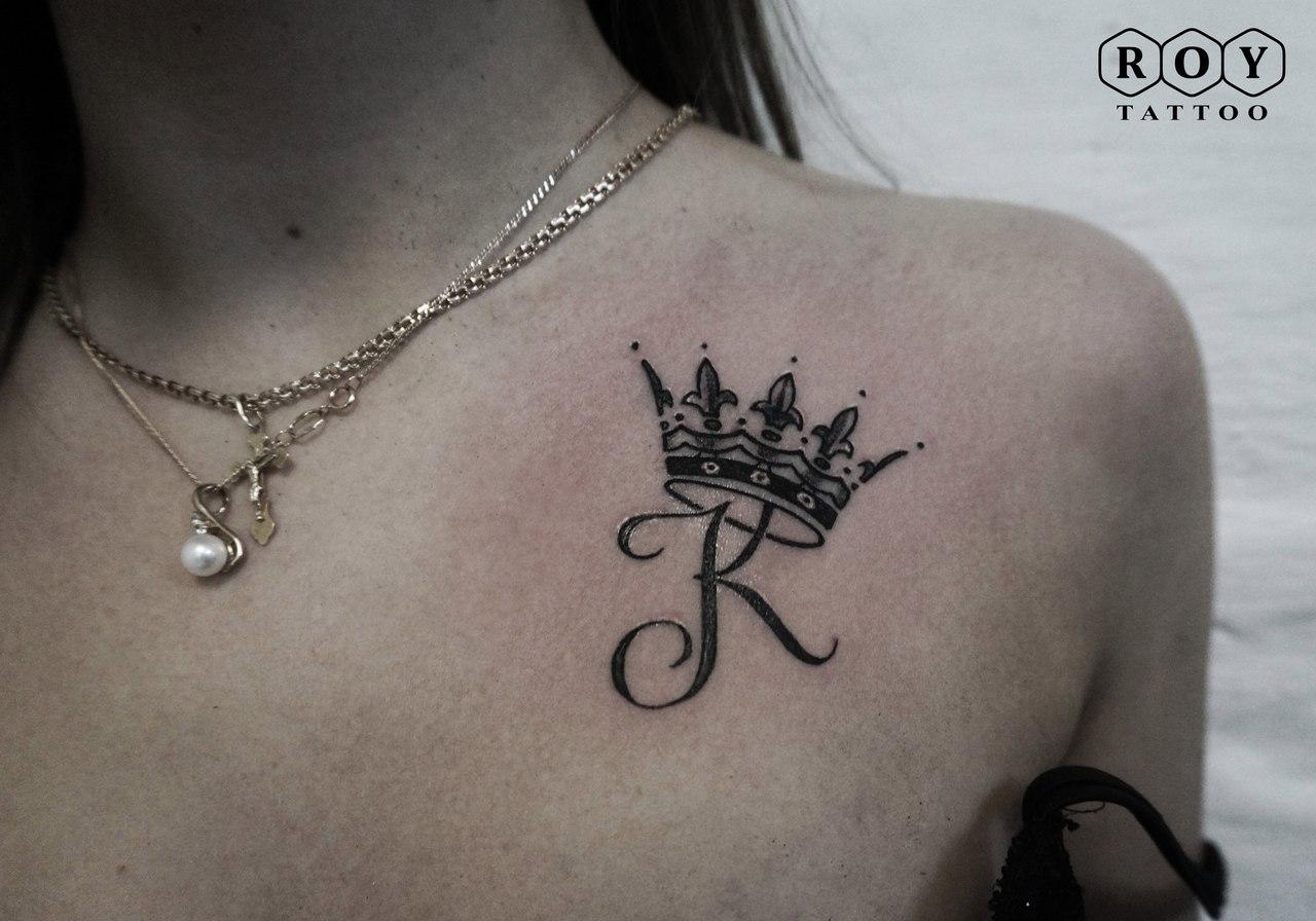 Тату короны на шее у девушек фото