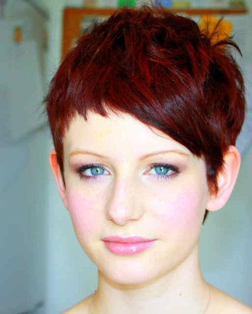 Коротка стрижка цвет волос