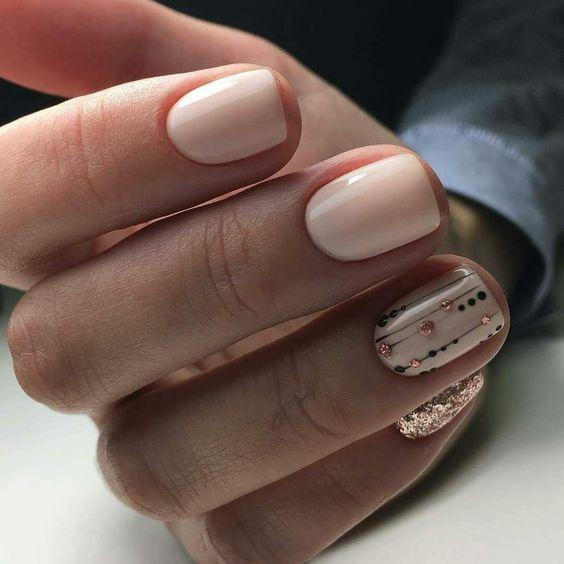 Светлый маникюр на коротких ногтях 2018