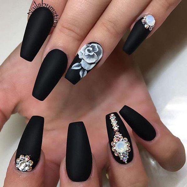 Школа дизайна ногтей черный