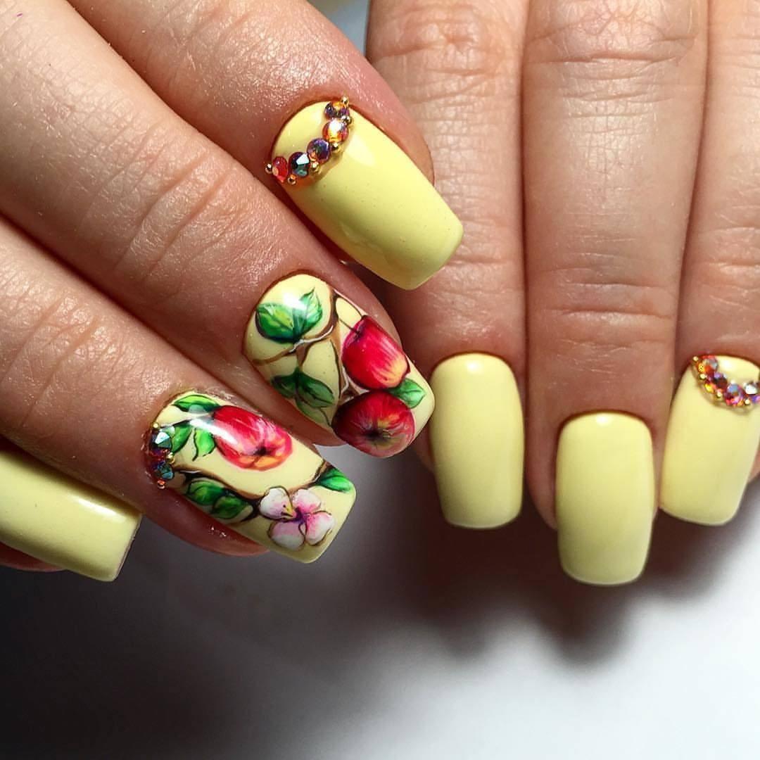 Маникюр дизайн ногтей летний