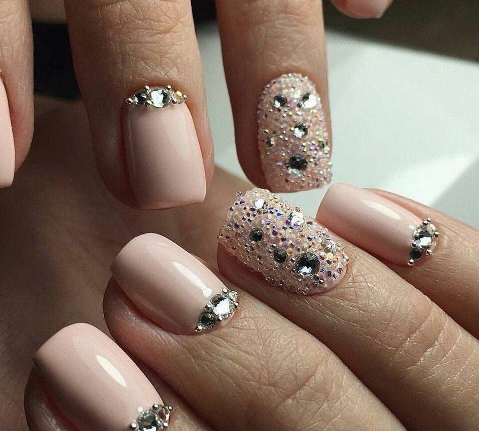Шеллак На Короткие Ногти С Камнями Фото
