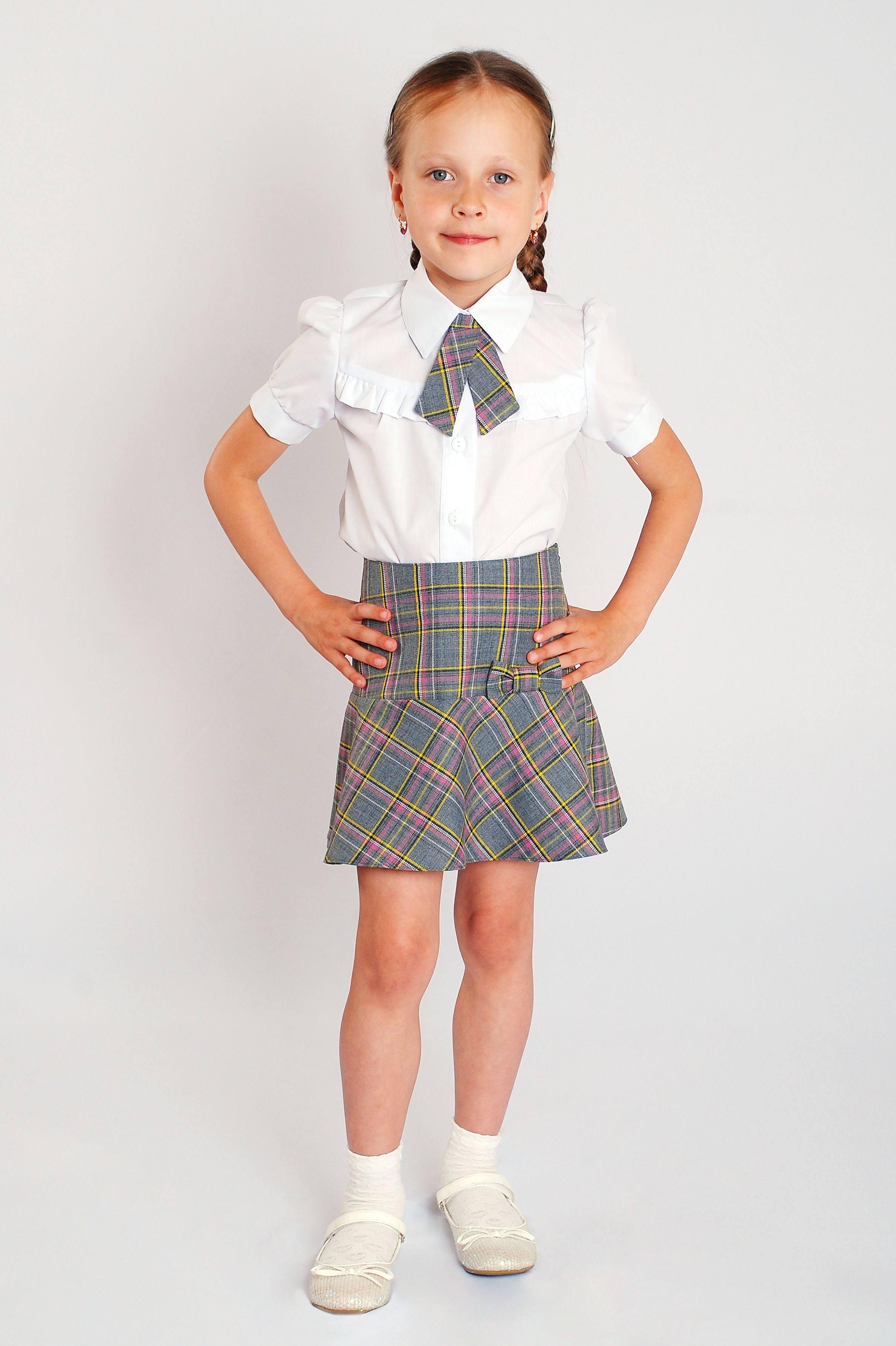 Серая школьная форма: благородные оттенки ученического дресс-кода картинки