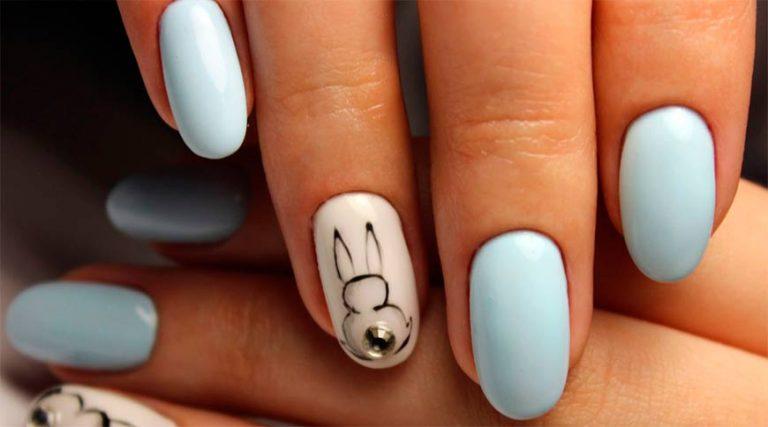 Рисунок на ногтях с зайчиками