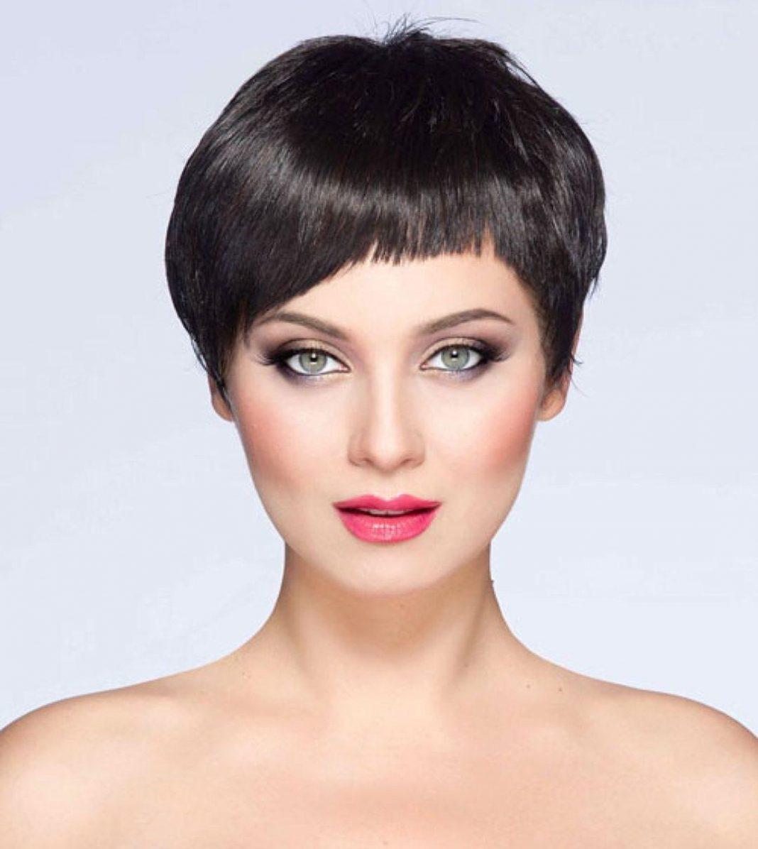 Фото причёсок на очень короткие волосы с чёлкой