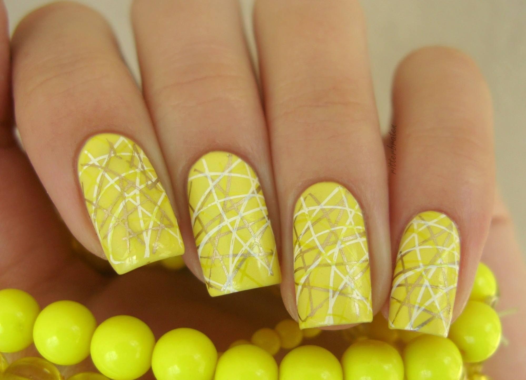 Желтый цвет дизайн ногтей 2018