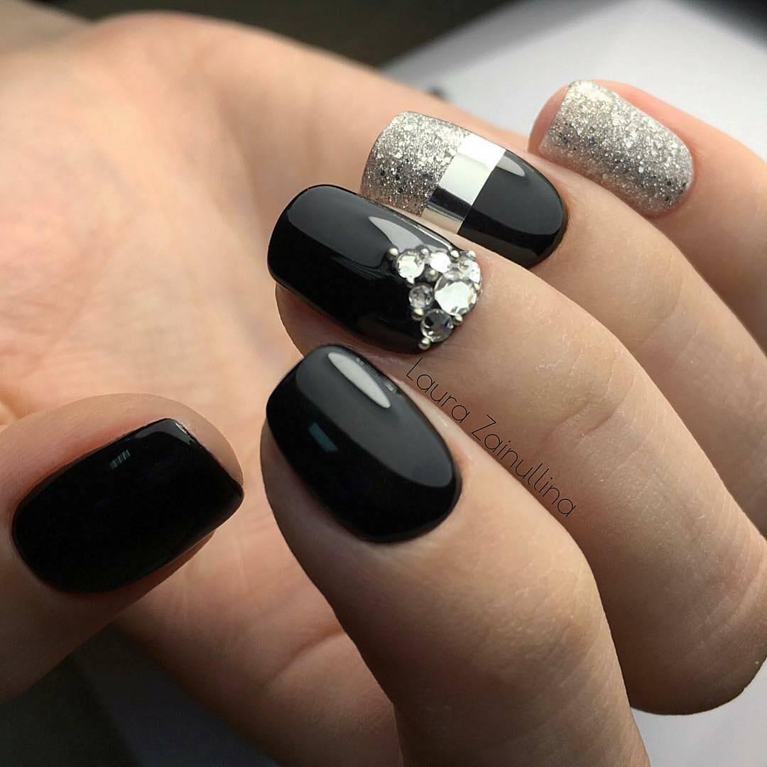 Бело-черный маникюр на короткие ногти 2018 фото