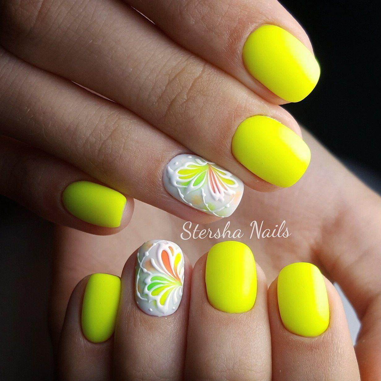 Дизайн ногтей желтый с серым фото