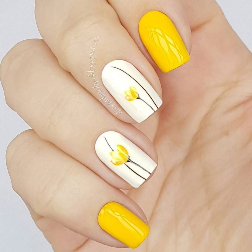 Маникюр с желтым платьем