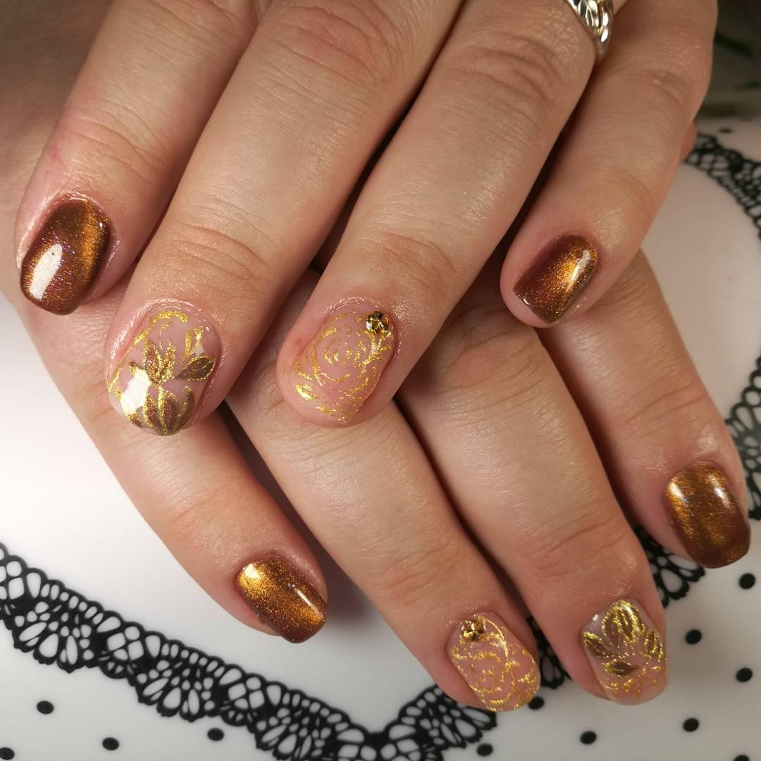 Дизайн ногтей 2018 фото бежевый с золотом