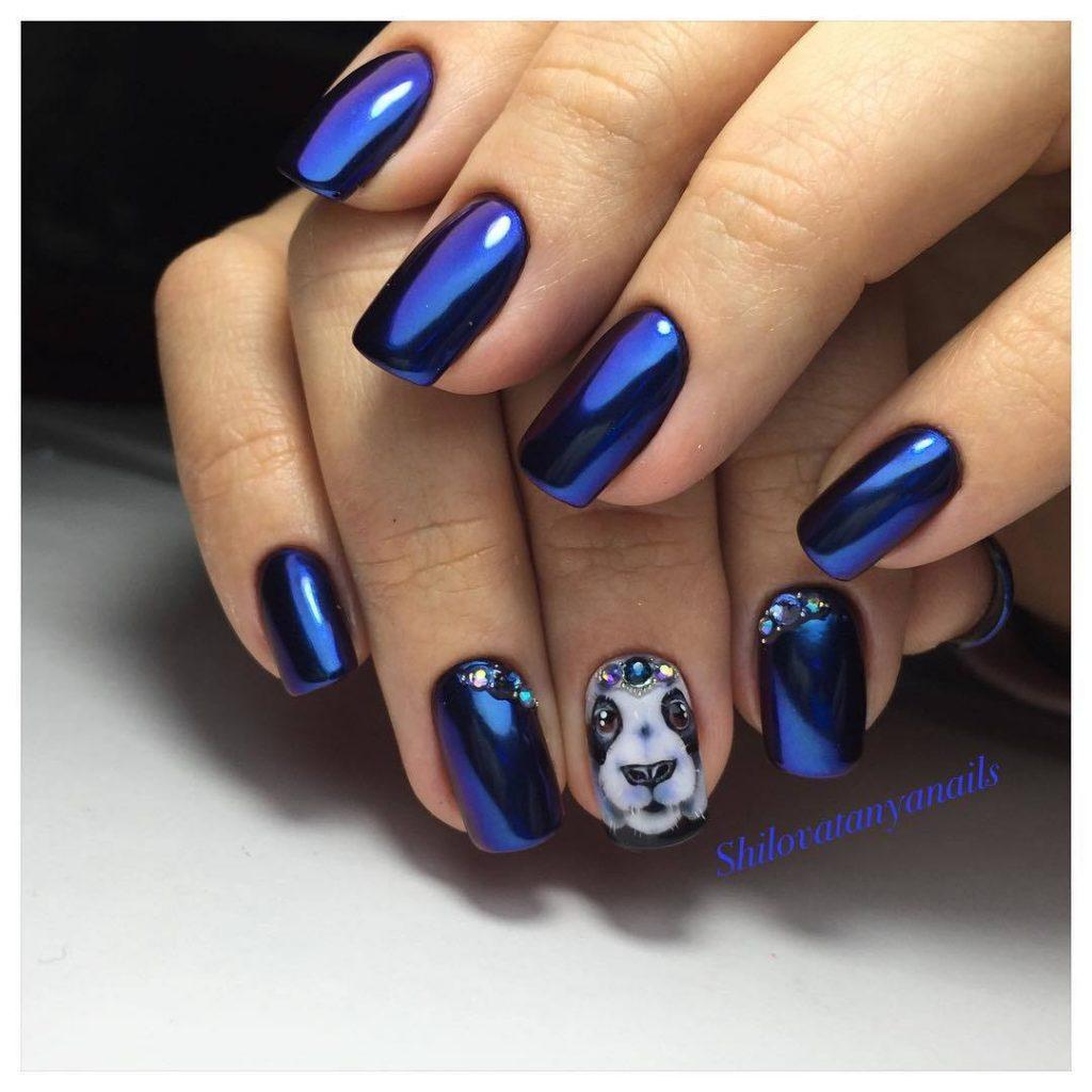 Маникюр синий с кошкой