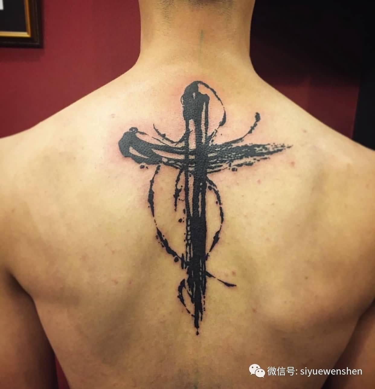 Тату креста на шее фото